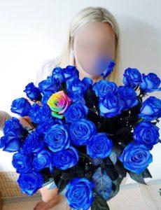 Modrá kytice růží