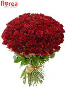 100 růží - krásné kytice